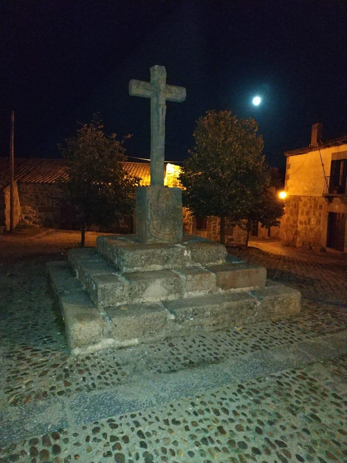 Cruz Nocturna